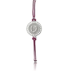 Amuletti mit schmalen Textilband